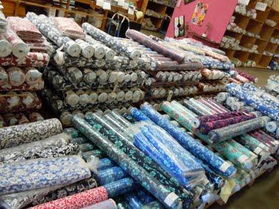 DSCN1613 A Trip to Hoffman Fabrics