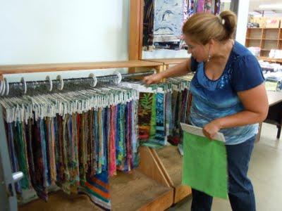 DSCN1617 A Trip to Hoffman Fabrics