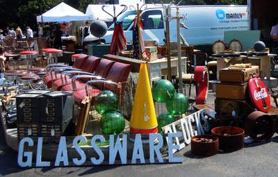 antqmkt A Sunny Day at the Antique Market