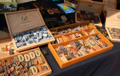 oldtype A Sunny Day at the Antique Market